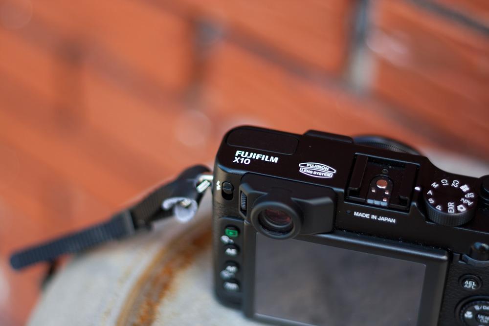 Fujifilm X10: Dessus et viseur