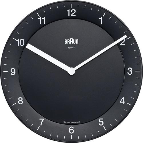 Horloge BNC006 de Braun en noir, avec texte blanc