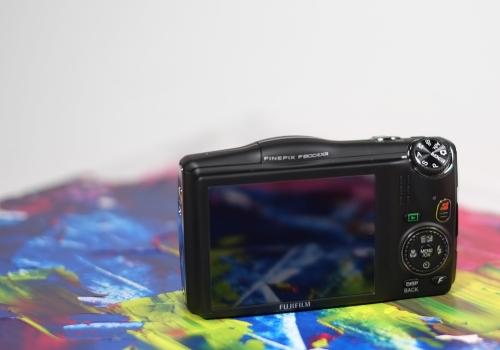 Le derrière du Fujifilm F800EXR