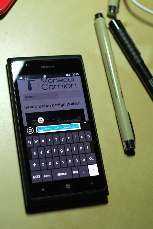 Le clavier virtuel de Windows Phone 7 sur le Lumia 900